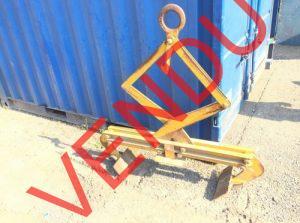 materiaux-de-construction-a-vendre-pince-pour-la-pose-des-bordures-en-beton1